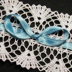 Pro zákaznici ze zahraničí, navrhla a paličkovala Dana Mihulková. Bobbin Lace, Lace Design, Handmade, Fashion, Lace, Moda, Bobbin Lacemaking, Hand Made, Fashion Styles