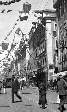 Rua do Ouro, 1911 Antique Photos, Old Photos, Creative Architecture, Big Country, Southern Europe, Lisbon Portugal, Pavement, Capital City, Homeland