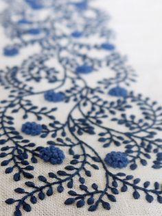 Beautiful work by Yukiko Higuchi, Japanese embroidery art