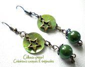 Boucles d'oreille nacre et perle verte : Boucles d'oreille par celina-pearl