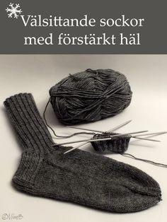 Ruckelhäxan Stjärnkraft: MÖNSTER > Välsittande sockor med förstärkt häl Yarn Crafts, Diy And Crafts, Yarn Needle, Baby Knitting Patterns, Knitting Socks, Handicraft, Needlework, Knit Crochet, Embroidery