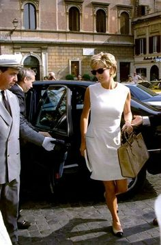 June 1996 arriving in Rome at the Hassler Hotel near Piazza di Spagna.  Diana travelled from London with her sister Sarah and two friends, Roberto Devorik and David Wynne