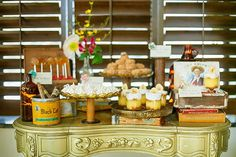 Cuban-inspired dessert table | Photo by Magnolia Studios | Desserts by Sweet Table #Cuban #desserts