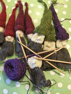 Christmas Mix, Christmas Gnome, Christmas Knitting, Diy Christmas Ornaments, Christmas Stockings, Christmas Decorations, Knitted Dolls, Crochet Dolls, Knit Crochet