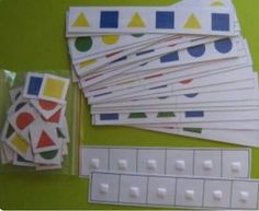 Éste es un ejemplo de series donde se usan las figuras de los bloques lógicos,… - Alles, Was Sie Über Den Kindergarten Wissen Müssen Preschool Learning, Kindergarten Math, Teaching Math, Preschool Activities, Math Classroom, Classroom Activities, Toddler Activities, Math Patterns, Block Patterns