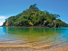 Reader Kelly Lynch tells us about her favourite hike: a brisk walk up Pataua Island Mountain in Northland. New Zealand Destinations, Sunny Days, Places To Go, Walking, River, Island, Beach, Green, Kiwi