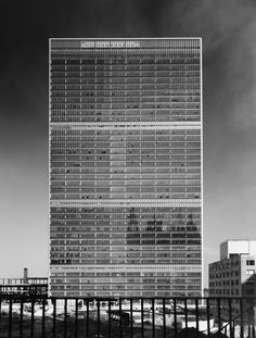 United Nations, New York NY (1950) | International Team of Architects Led by Wallace K. Harrison | Image © Ezra Stoller