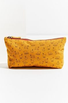 Slide View: 1: Sketched Pouch