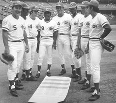 Johnny Bench, Ken Griffey Sr., Pete Rose, Joe Morgan, Tony Perez, George Foster, Cesar Geronimo and David Concepcion - 1976