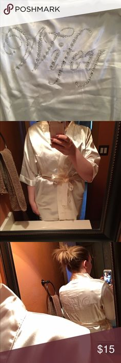 Davids bridal white silky robe. 👰🏼💍❤ Soft and silky, white wifey robe. No missing stones! I actually didn't wear it, perfect condition! ❤ davids bridal Intimates & Sleepwear Robes
