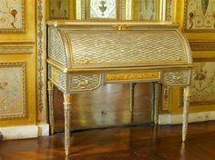 Réunion des Musées Nationaux-Grand Palais - Secrétaire à cylindre de la reine Marie-Antoinette Riesener Jean-Henri (1734-1806) Fontainebleau, château
