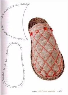 Los maestros y las personas con mollera: los Patrones de las zapatillas // галина осетрова Sewing Slippers, Felted Slippers, Crochet Slippers, Natural Clothing, Diy Clothing, Sewing Clothes, Fairy Shoes, Shoe Pattern, Creation Couture