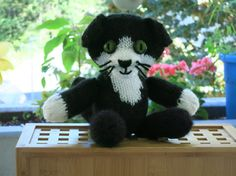 Cat Doll Ray/hand knitted cat/collectible decorative by YaGrashka Knitted Cat, My Friend, Friends, Cat Doll, Sell On Etsy, Family Gifts, Hand Knitting, Promotion, Unique Gifts