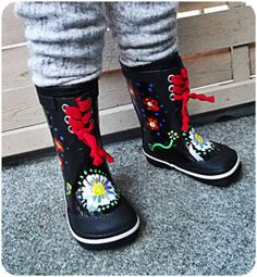 Fabulous Footwear… | Awesomesauce & Asshattery