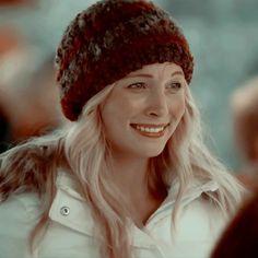 Caroline From Vampire Diaries, Vampire Diaries Stefan, Vampire Diaries The Originals, Editing Pictures, Photo Editing, Candice King, Enola Holmes, Fandoms, Christmas Icons