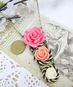Awesome Vintage Mulitcolor Rose Pendent Necklace