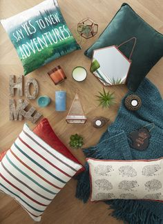 Rustic home decor with lots of textures, deep and rich colours and foliage creates a really earthy and cosy look. And you always need a coordinating throw, for extra comfort.