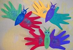 Kleinkinder Spielideen, Bastelideen, Buchtips und Kinder-/Familien-Rezepte: B… Toddlers game ideas, craft ideas, book tips and children's / family … Valentine's Day Crafts For Kids, Diy And Crafts, Arts And Crafts, Family Activities, Preschool Activities, Free Preschool, Handprint Butterfly, Easy Valentine Crafts, Fleurs Diy