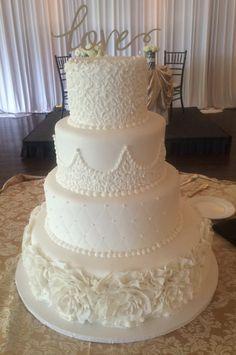 Calumet Bakery Classic and Timeless all white wedding cake