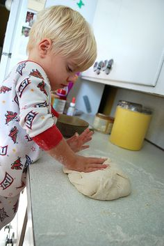 Easy bread recipe for kids to make... I love this;)