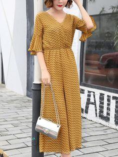 Fashionmia - Fashionmia V-Neck Zigzag Striped Wide-Leg Chiffon Jumpsuit - AdoreWe.com