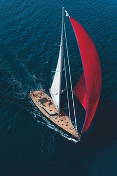 Superyacht of the week: The metre Perini Navi Xnoi Tug Boats, Motor Boats, Luxury Sailing Yachts, Boat Insurance, Sailing Trips, Best Boats, Yacht Interior, Boat Painting, Yacht Boat