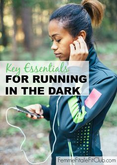 Key Essentials For Running In The Dark Healthy living Lose Weight Naturally, Ways To Lose Weight, Weight Loss Tips, Running For Beginners, Running Tips, Running Routine, Race Training, Marathon Training, Weight Training