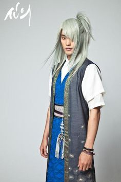 sung hoon  I swear there was a guy in The Hobbit who looks just like him!