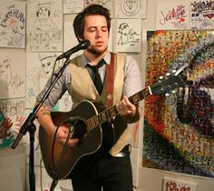 """Yahoo Music Live!!!   Video's """" Silver Lining"""", """"Fight"""" and """"Don't Be Afraid"""" The Rise of Lee DeWyze: Watch the Idol's Comeback Performance"""
