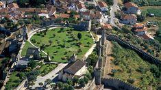 Castelo de Montemor-o-Velho - Dominante sobre o vale onde corre o Mondego, com campos de arrozais a perder de vista, a vila de Montemor-o-Velho está coroada pelo seu imponente castelo, a principal fortaleza do Baixo Mondego na época medieval.