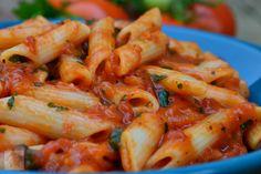 Penne cu sos marinara - CAIETUL CU RETETE Penne, Pasta, Pizza Lasagna, Shrimp, Vegan, Recipes, Food, Rezepte, Food Recipes