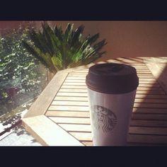 Desayunando. Having breakfast! por floresdetrapo.