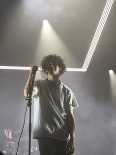 Matthew Healy, The Entire Universe, The 1975, Music Bands, Bae, Singer, Concert, Wallpaper, Wall Papers