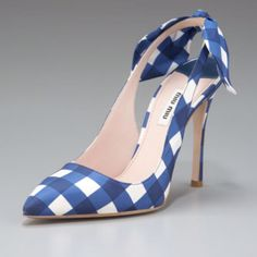 I. Need. These. Right. Now.  How fabulous would they be with a grey or black sheath dress?