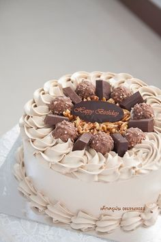 Quick And Straightforward Tips On How To Make Money Just By Baking Some Cake Cake Decorating Frosting, Cake Decorating Designs, Easy Cake Decorating, Cake Decorating Techniques, Pretty Birthday Cakes, Pretty Cakes, Chocolate Cake Designs, Chocolate Frosting, Cake Chocolate