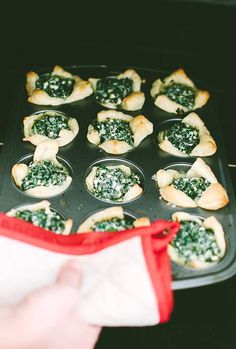 Spinach cups with Feta and Fresh Parsley | #food #recipe #holidays