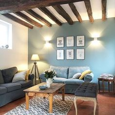 ideally below the quilt … 😬 … (If not you too, you alter your furnishings with out stopping? I waltz all of them time … 🙊🙊) … # Maisonnormande House, Interior, Home, Bedroom Design, Living Room Decor, Tv In Bedroom, House Interior, Home Deco, Modern Bedroom