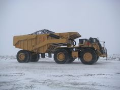 Maxter was approached by a western Canadian Caterpillar dealer in the late to see if they could come up with a solution to a problem in a zinc Heavy Construction Equipment, Heavy Equipment, Construction Machines, Dump Trucks, Big Trucks, Earth Moving Equipment, Caterpillar Equipment, Cat Machines, Welding Rigs