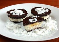 Recept s fotopostupom na nepečený kokosový zákusok, bez múky a cukru