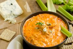 Quick and Easy Buffalo Chicken Dip Recipe Buffalo Chicken Cheese Dip, Chicken Dips, Buffalo Dip, Cooked Chicken, Chicken Recipes, Shredded Chicken, Buffalo Wings, Rotisserie Chicken, Fiesta Chicken