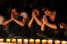 不明マレーシア機、遭難から1か月 北京で祈りの集会 国際ニュース:AFPBB News