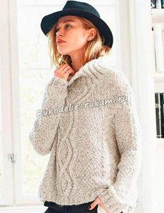 Пуловер оверсайз с арановым узором и косами спицами