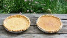 Canadian Maple Syrup Sugar Pie or Le sirop d'érable Tarte au sucre: an iconic French Canadian pie that celebrates Maple syrup and is irresistibly delicious. Bread Cake, Pie Cake, Caramel Recipes, Pie Recipes, Recipies, Eagle Brand Recipes, Icebox Pie, Pie Shop, Sugar Pie