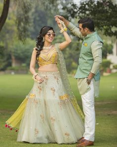30 Unique Outfit Combinations for Brides & Grooms! Color coordinating outfits on mehendi should be on top of your to do list on your wedding Engagement Dress For Groom, Couple Wedding Dress, Wedding Dresses Men Indian, Indian Wedding Fashion, Engagement Dresses, Indian Engagement Outfit, Indian Fashion, Engagement Ideas, Wedding Outfits For Groom