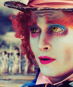 First Official Photo of Johnny Depp As the Mad Hatter In Tim Burton's Alice in Wonderland Movie Talk, I Movie, Tim Burton, Johnny Depp Frases, Halloween Kostüm, Halloween Costumes, Halloween Parade, Vintage Halloween, Quotes