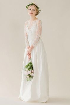 This stunning Rue de Seine wedding gown has never been worn. It is in  perfect condition, and was bought with the Grace blouse. I had the blouse. 6f6062273f