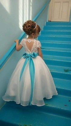 Gorgeous Dresses of Flower Girl will help to create your wedding day distinctive and memorable. So if you do not have any idea, look at this gallery of best flower girl lace dresses ideas that we have provided special for you. Cute Flower Girl Dresses, Lace Flower Girls, Little Girl Dresses, Girls Dresses, Party Dresses, Dress Party, Flower Girl Updo, Turquoise Flower Girl Dress, Toddler Pageant Dresses