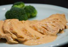 PECHUGA DE POLLO EN SALSA CHIPOTLE - Pechuga de pollo con salsa cremosa de chipotle, es deliciosa y muy fácil de preparar si quieres ver los pasos uno a un