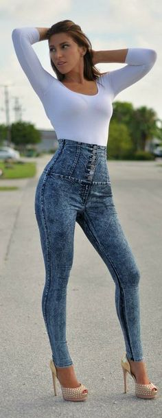 Hot Pants: High-Waisted Jeans – Fashion Style Magazine - Page 4 Hot Pants, All Jeans, Skinny Jeans, Miami Mode, Jean Outfits, Cute Outfits, High Wasted Pants, Acid Wash Jeans, Hot Miami Styles