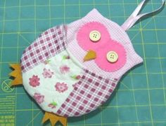 New fabric bags to make #cotton #tutorial #felt #flanel #handmade #diy #inspiration #owl #sew #organizer #hanging #button